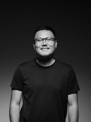 Portrait of Adrian Meseck MA